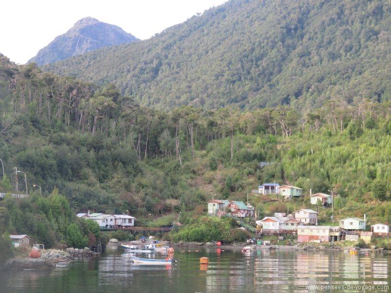 île sur le passage du ferry patagonie
