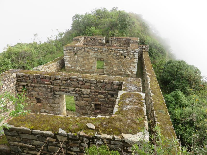 maison des pretres choquiquerao - casa sacerdotal