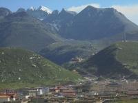 dzogchen-monastere-belle-montagne