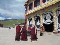 dzogchen-monastery-lama