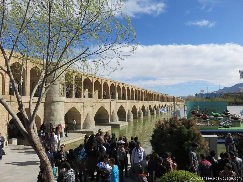 Pont Khaju Ispahan lors du Norouz