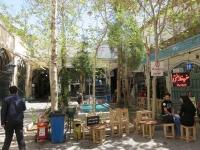 cafe dans les rues d'esfahan