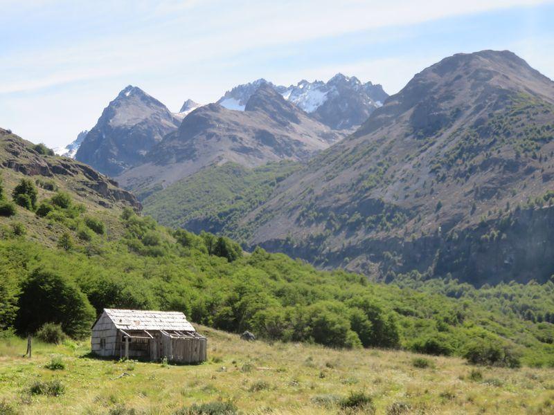 cabane refuge vallee aviles
