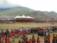 ceremonie-ouverture-2017-yushu-fete-chevaux (2)