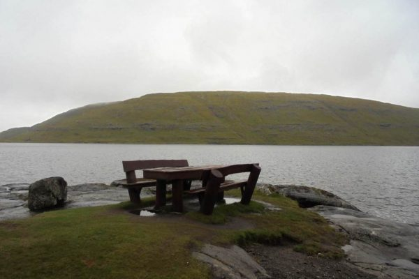 table lac leitisvatn feroe