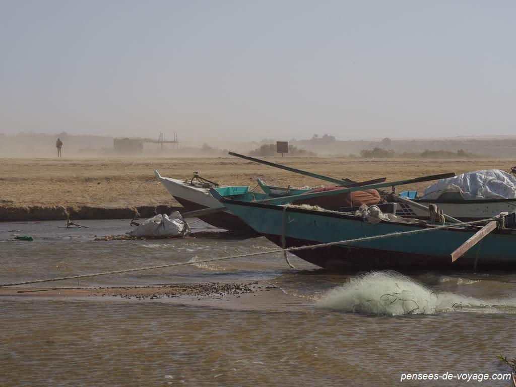 pêcheurs au Wadi Al Rayan fayoum