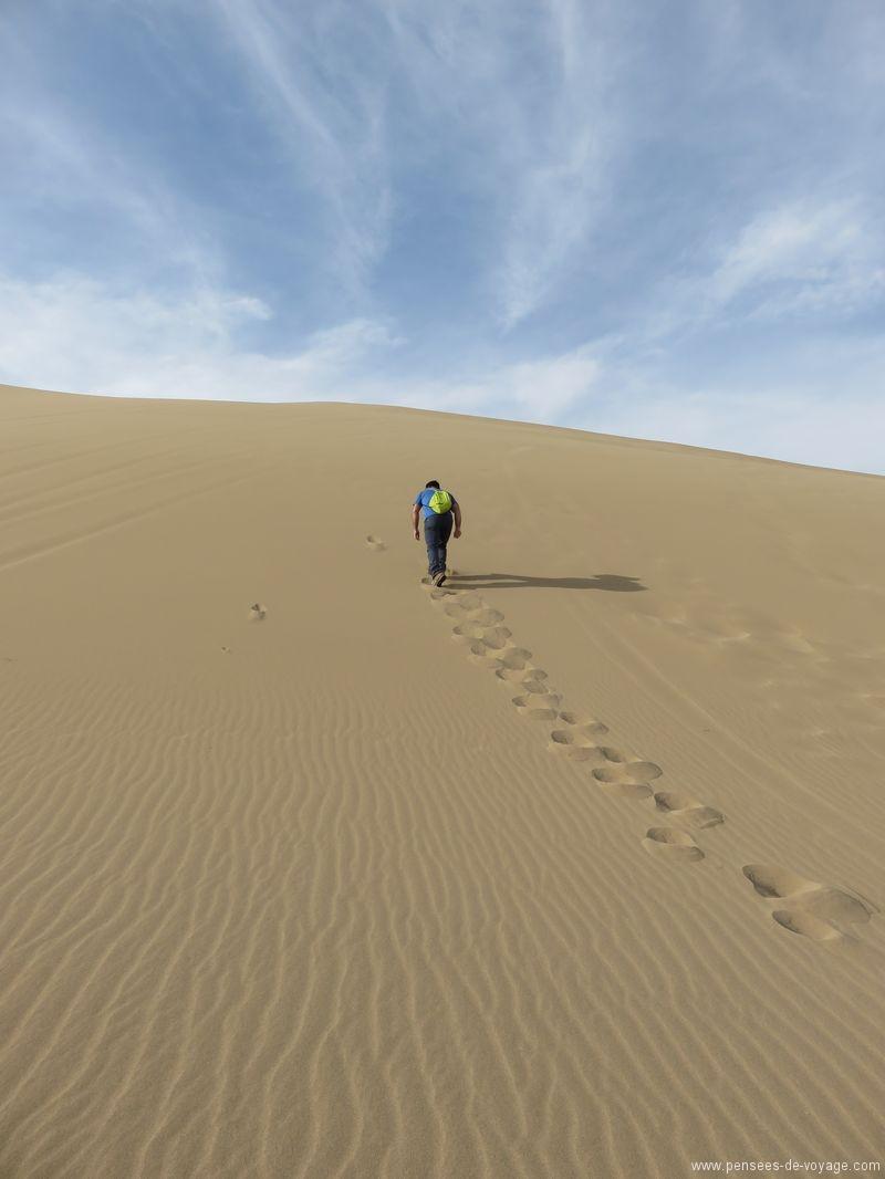 marche dans le desert en Iran