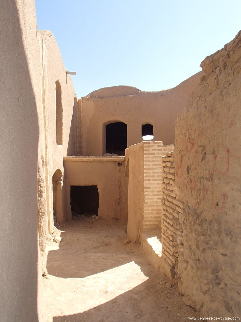 kharanaq ruelle interieur iran