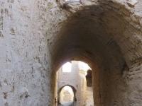 kharanaq dans les ruelles adobe iran